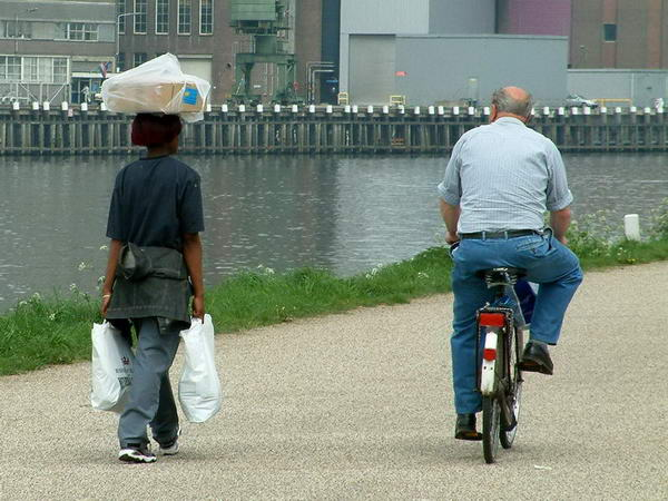 Transport langs de Maas